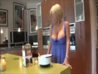 cums mommy huge